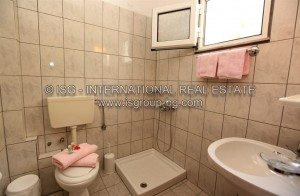 watermarked_18_bathroom.jpg