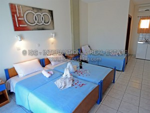 watermarked_hotel_triple_room_3_2014.jpg